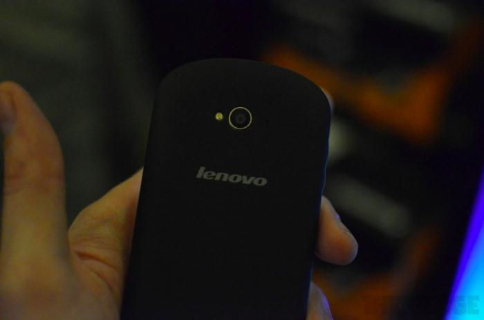lenovo-s2-hands-on-ces2012 (6)