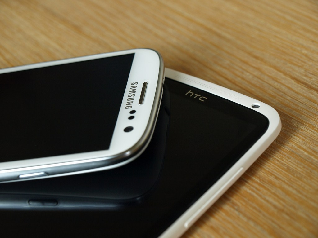 Samsung Galaxy S3 vs HTC One X Header