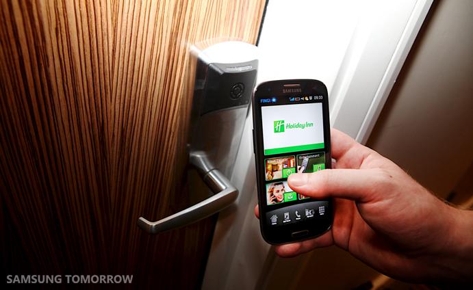 Samsung-checks-in-at-London-2012-_11