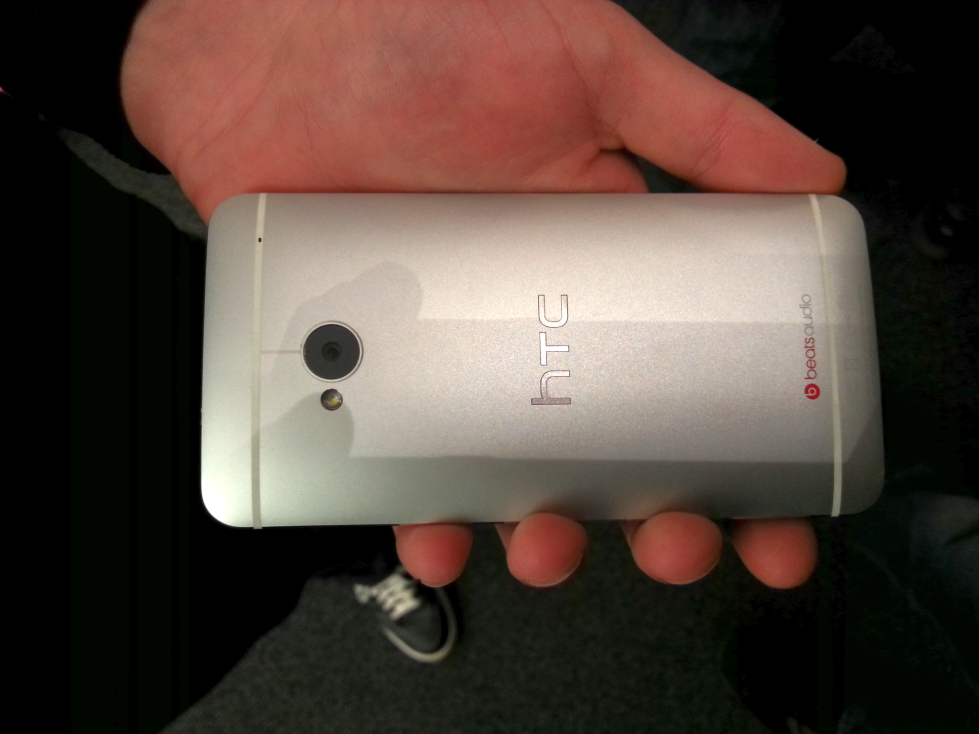 HTC_ONE_Hands_on_2