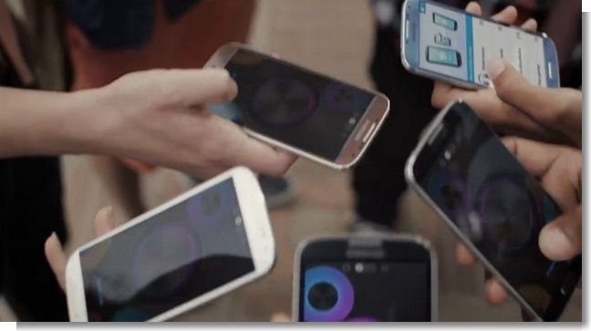 Galaxy S4 Amber Brown variant spotted in Samsung's promotional clip 'Hi Hey Hello'