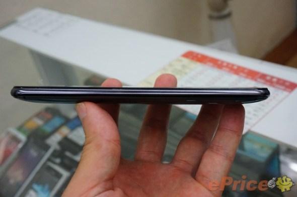 HTC-Desire-700-4