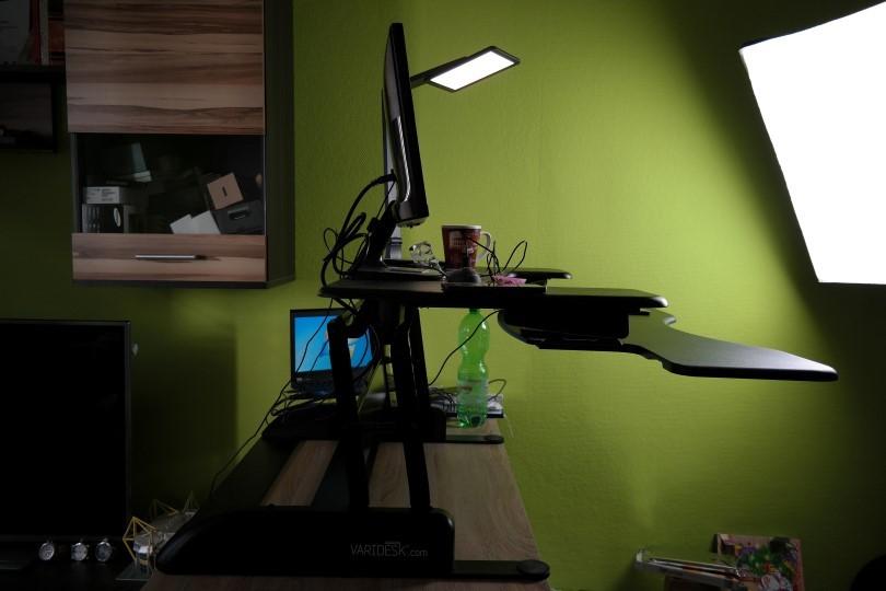 varidesk im test sitzen und stehen am arbeitsplatz. Black Bedroom Furniture Sets. Home Design Ideas