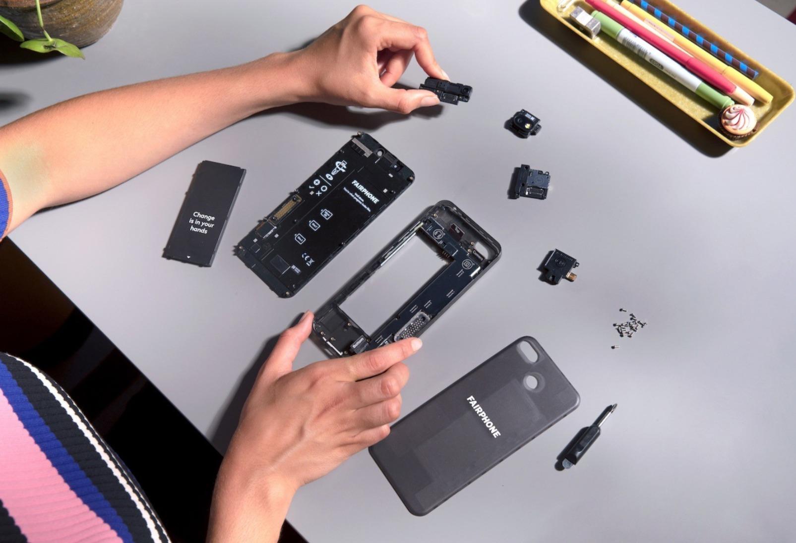 Fairphone 3 Header