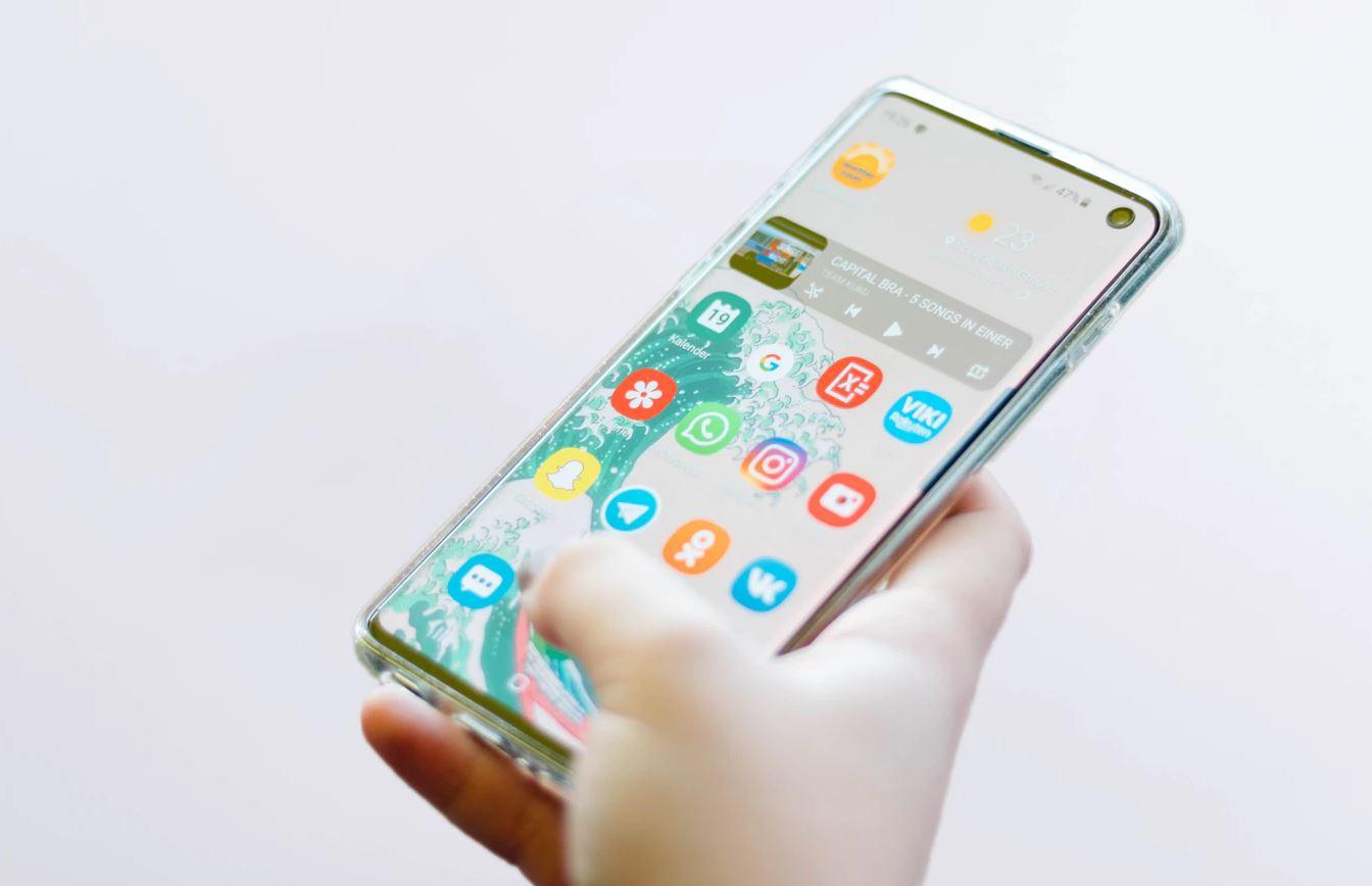 Samsung Smartphone (galaxy S10) Head